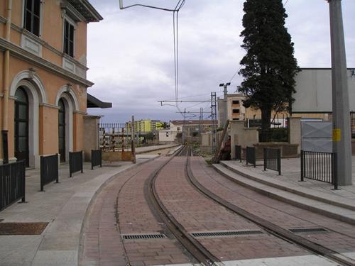 [IMG]http://www.mondotram.it/tram-cinema/images/Sassari02Sm.jpg[/IMG]
